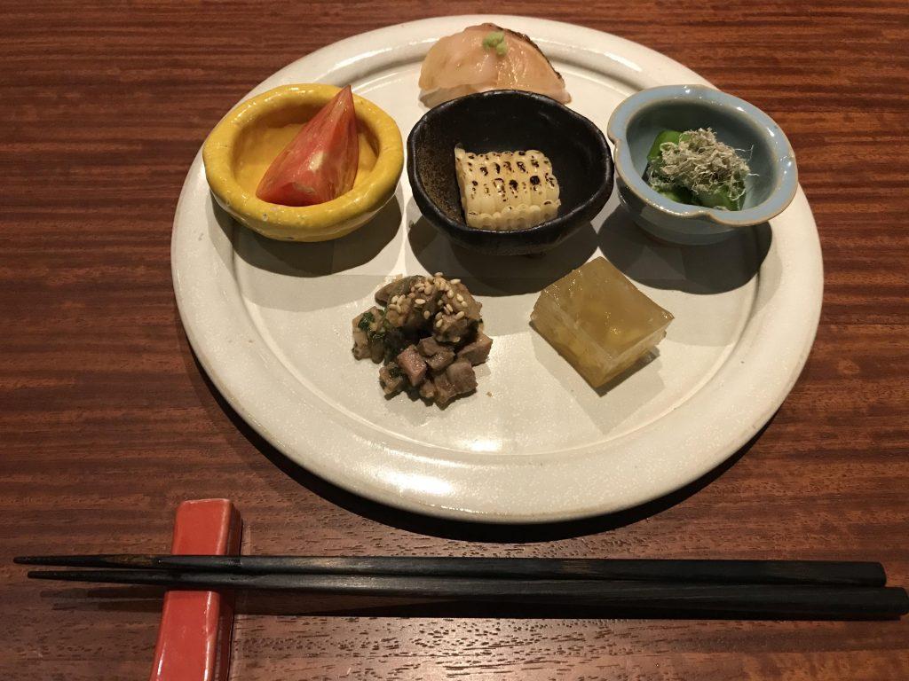 【旬菜と肉の盛り合わせ】